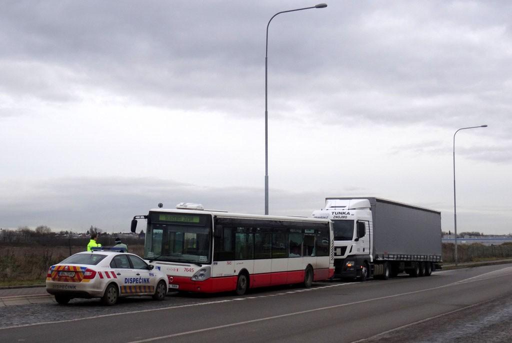 Fotogalerie » Irisbus Citelis 12M 4B4 5966 7645   Brno   Slatina   Vlastimila Pecha   Vlastimila Pecha