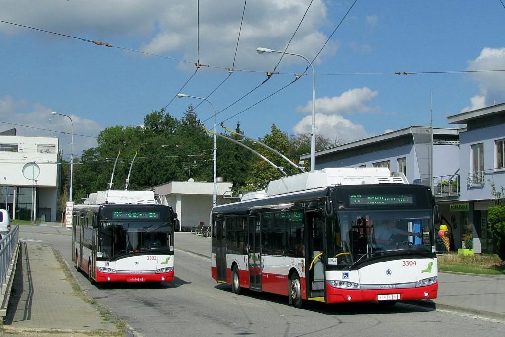 Fotogalerie » Škoda 26Tr 3304 | Škoda 26Tr 3302 | Brno | Kohoutovice | Libušina třída | Jírovcova, smyčka
