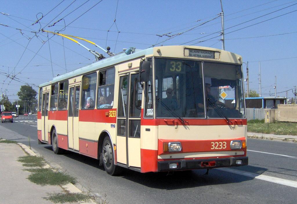 Fotogalerie » Škoda 14Tr10/6 3233 | Brno | Slatina | Hviezdoslavova