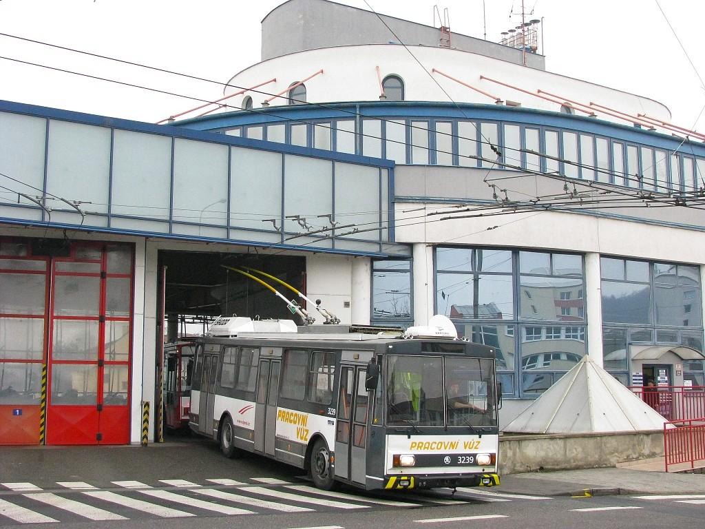 Fotogalerie » Škoda 14Tr10/6 3239 | Brno | Komín | vozovna Komín