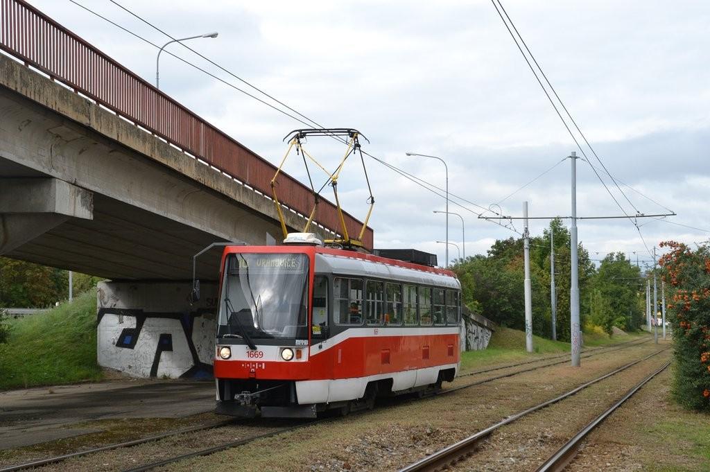 Fotogalerie » ČKD DS T3RF 1669 | Brno | Židenice | Nezamyslova