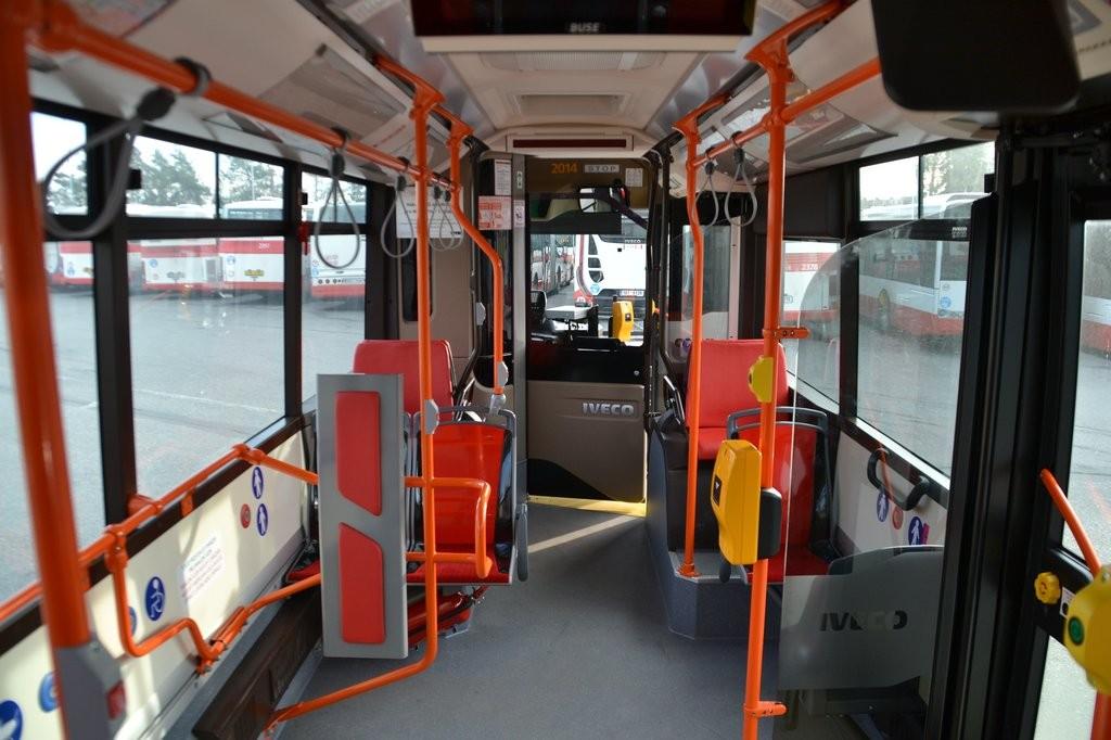Fotogalerie » Iveco Urbanway 18M CNG 1BT 8134 2014 | Brno