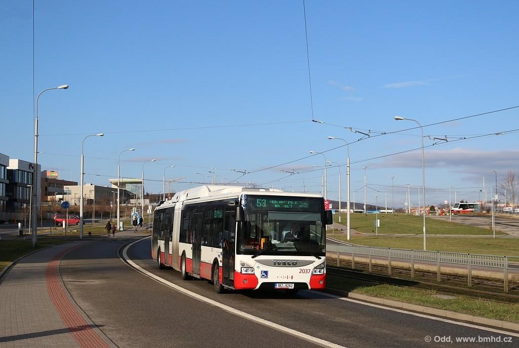 Fotogalerie » Iveco Urbanway 18M CNG 1BZ 9262 2037 | Brno | Medlánky | Purkyňova