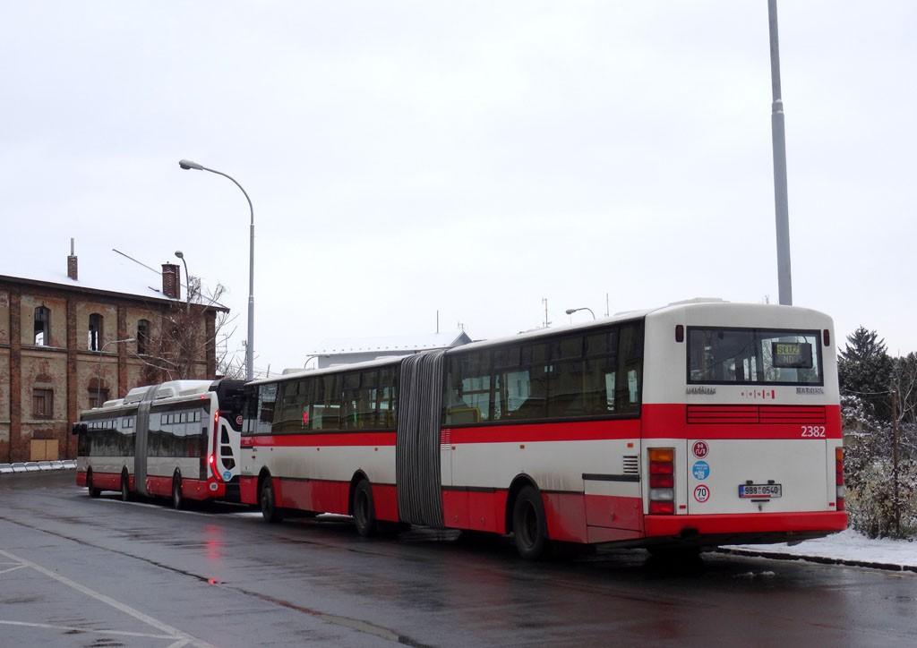 Fotogalerie » Karosa B961E.1970 9B8 0540 2382 | Iveco Urbanway 18M CNG 1BZ 9261 2036 | Brno | Střed | Rosická | Dolní nádraží