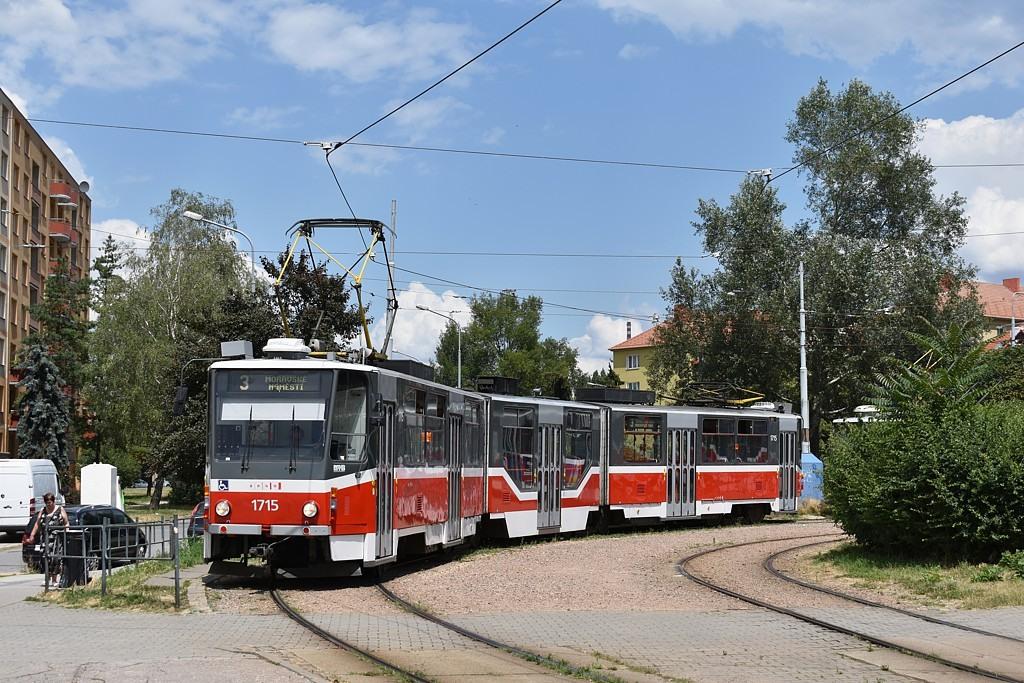 Fotogalerie » ČKD Tatra KT8D5R.N2 1715 | Brno | Židenice | Stará osada, smyčka