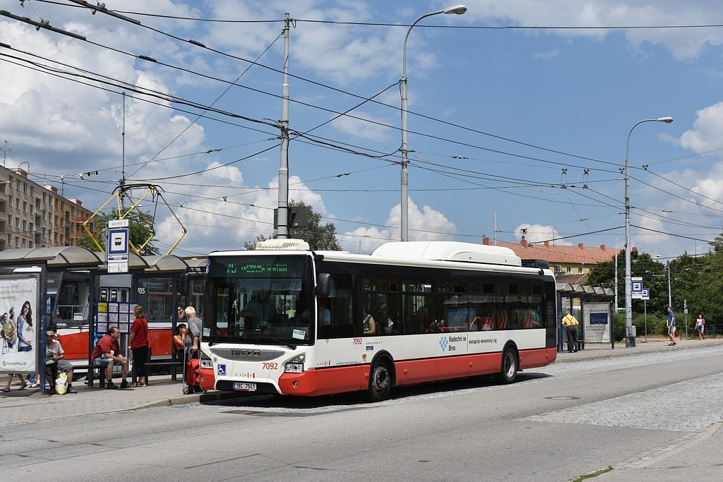 Fotogalerie » Iveco Urbanway 12M CNG 1BC 7541 7092 | Brno | Židenice | Stará osada