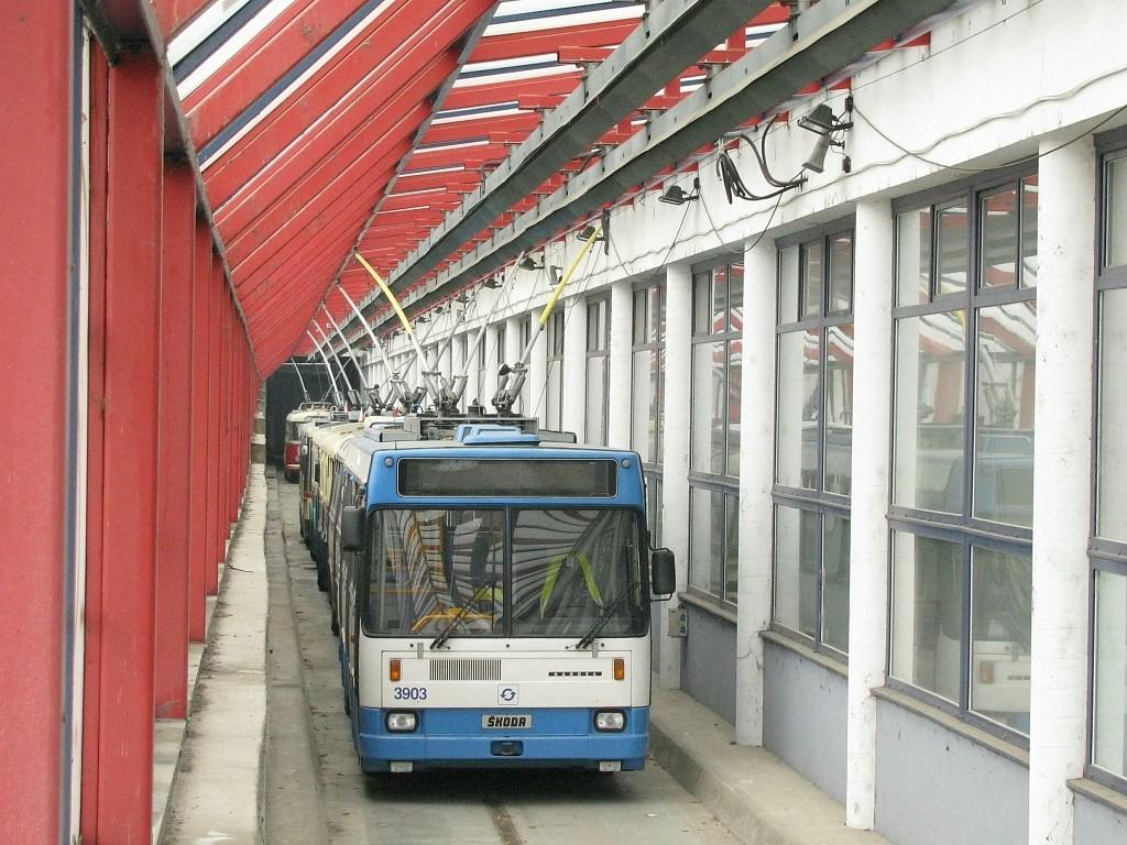Fotogalerie » Škoda 17Tr 3903 | Brno | Komín | vozovna Komín