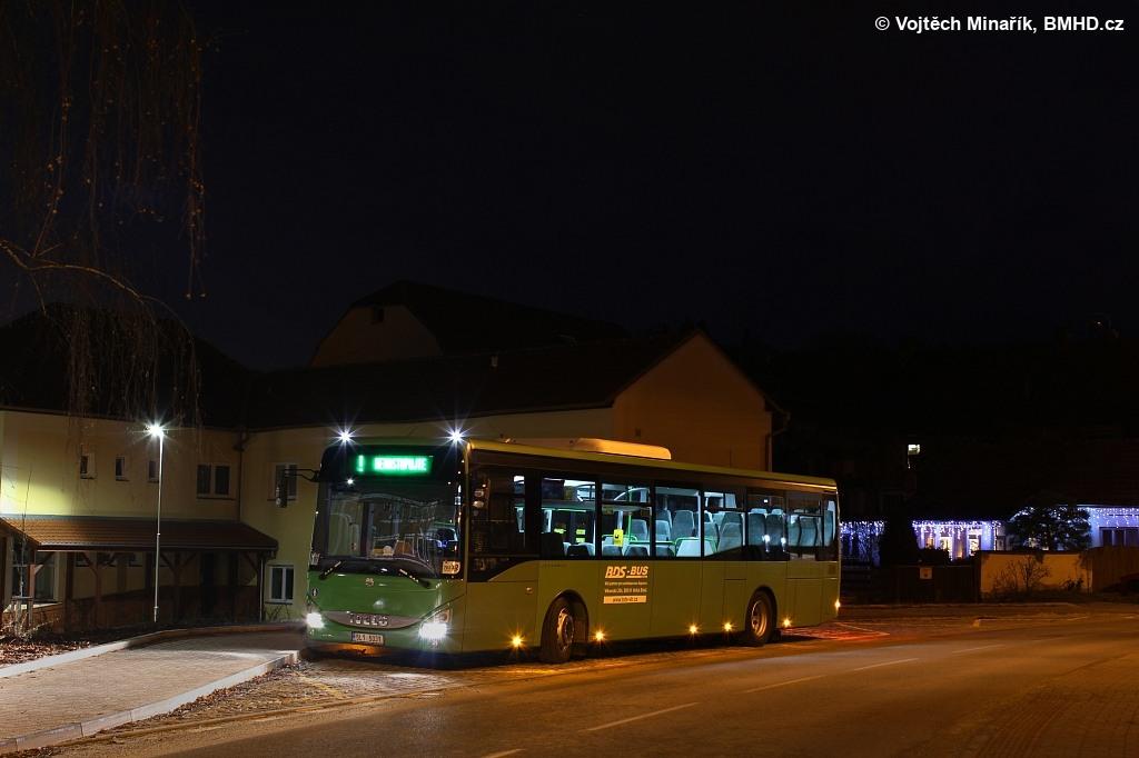 Fotogalerie » Iveco Crossway LE LINE 12M 5L1 5031 | Pozořice | V Zámku | Pozořice, náměstí