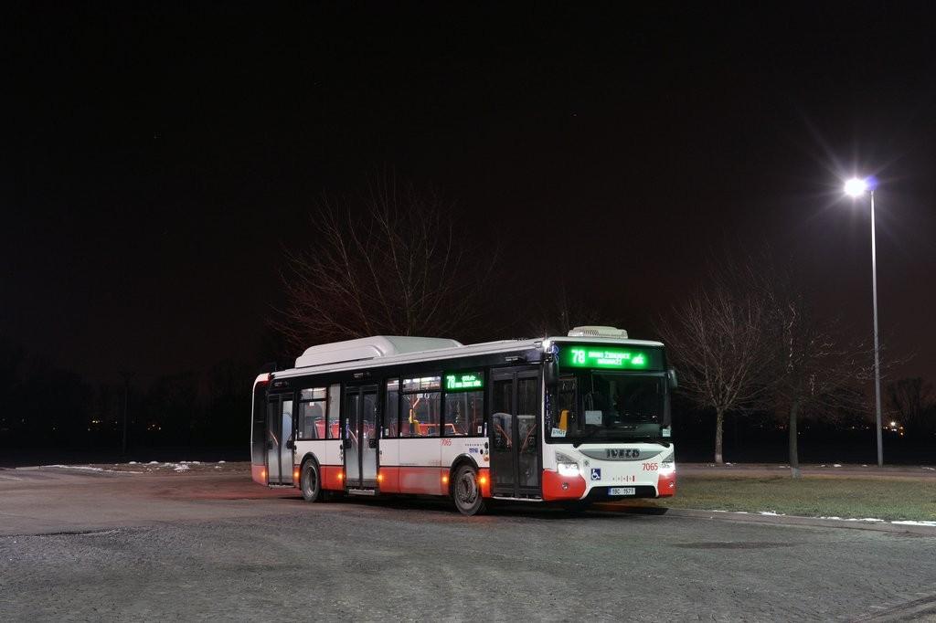 Fotogalerie » Iveco Urbanway 12M CNG 1BC 1571 7065 | Modřice | U Dálnice