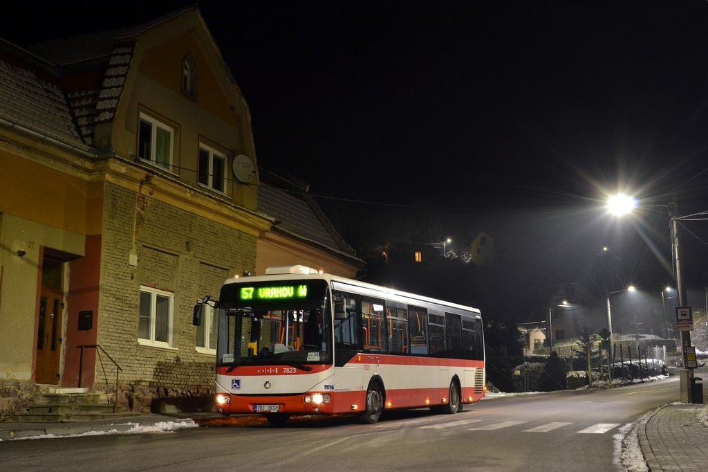 Fotogalerie » Irisbus Crossway LE 12M 7B3 3933 7823 | Vranov | Březina | Vranov, křižovatka