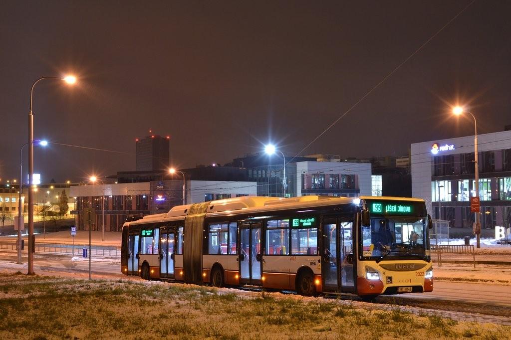 Fotogalerie » Iveco Urbanway 18M CNG 1BT 8142 2022 | Brno | Královo Pole | Purkyňova | Technologický park