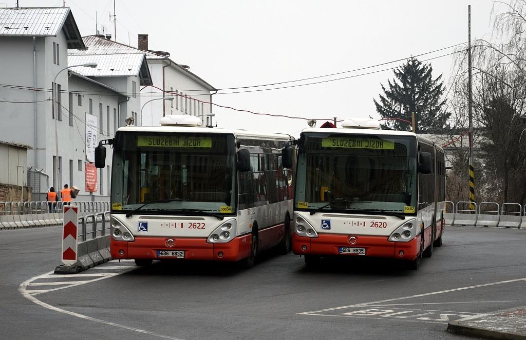 Fotogalerie » Irisbus Citelis 18M 6B6 6832 2622 | Irisbus Citelis 18M 6B6 6835 2620 | Brno | Trnitá | Rosická | Dolní nádraží