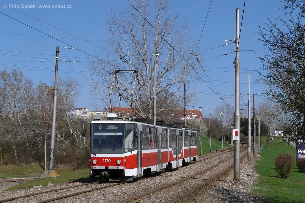 Fotogalerie » ČKD Tatra KT8D5R.N2 1710 | Brno | Líšeň | Novolíšeňská