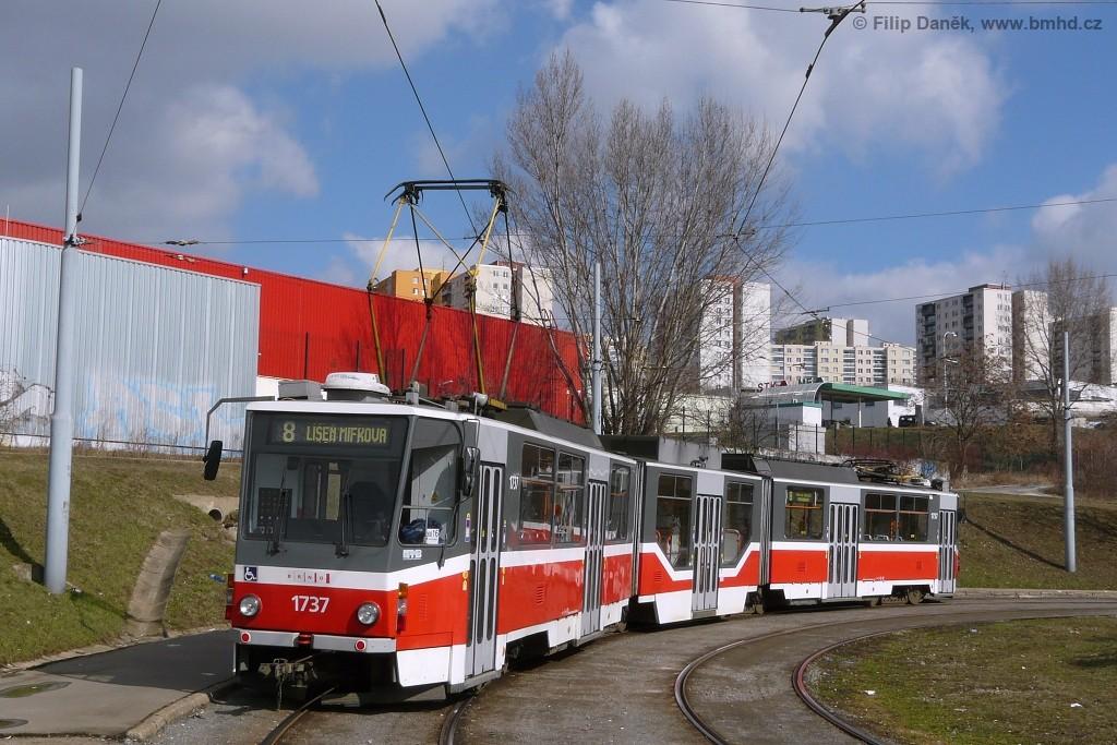 Fotogalerie » ČKD Tatra KT8D5R.N2 1737 | Brno | Starý Lískovec | Starý Lískovec, smyčka