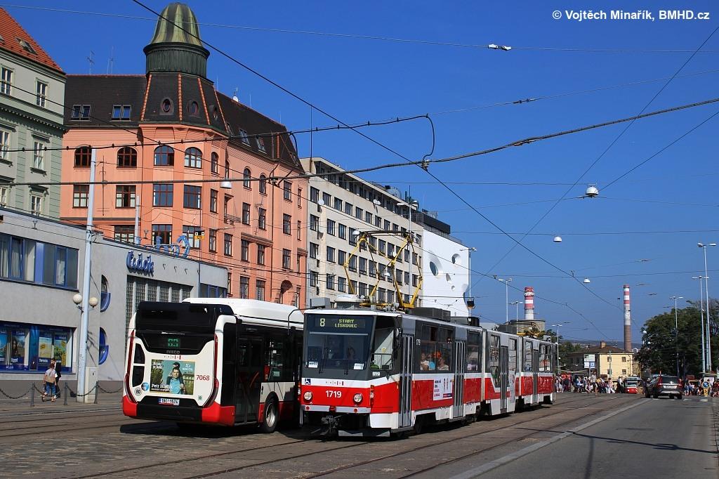 Fotogalerie » ČKD Tatra KT8D5R.N2 1719   Brno   střed   Nádražní