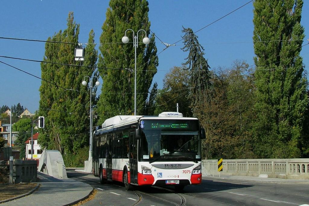 Fotogalerie » Iveco Urbanway 12M CNG 1BC 1581 7075 | Brno | Maloměřice | Dolnopolní | Maloměřický most