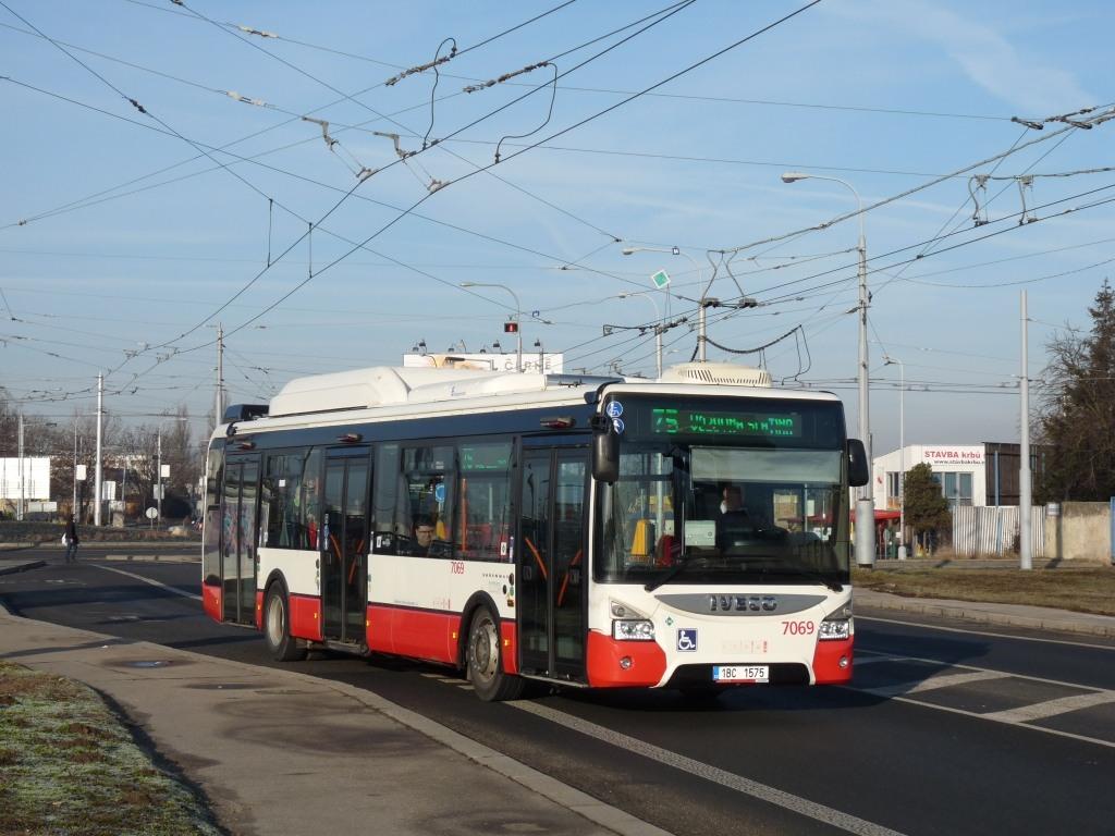 Fotogalerie » Iveco Urbanway 12M CNG 1BC 1575 7069   Brno   Slatina   Hviezdoslavova