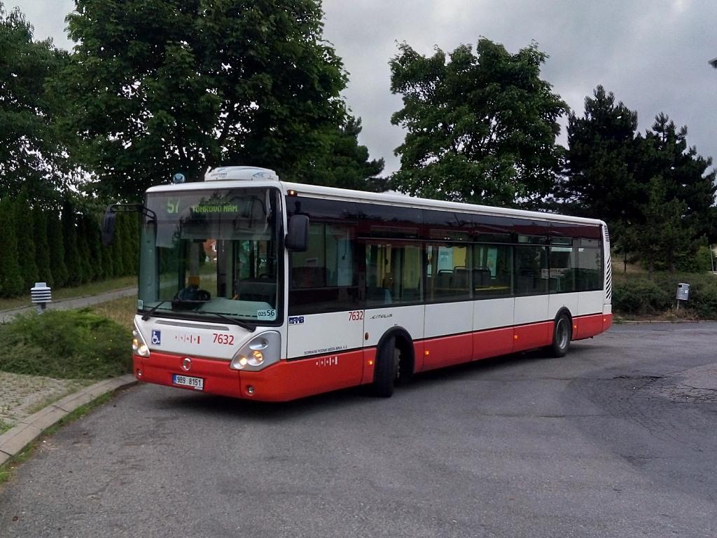 Fotogalerie » Irisbus Citelis 12M 9B9 8151 7632 | Brno | Útěchov | Adamovská | Útěchov, smyčka