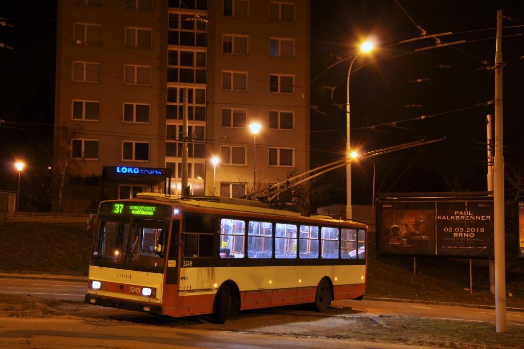 Fotogalerie » Škoda 14TrR 3249 | Brno | Kohoutovice | Libušina třída | Voříškova