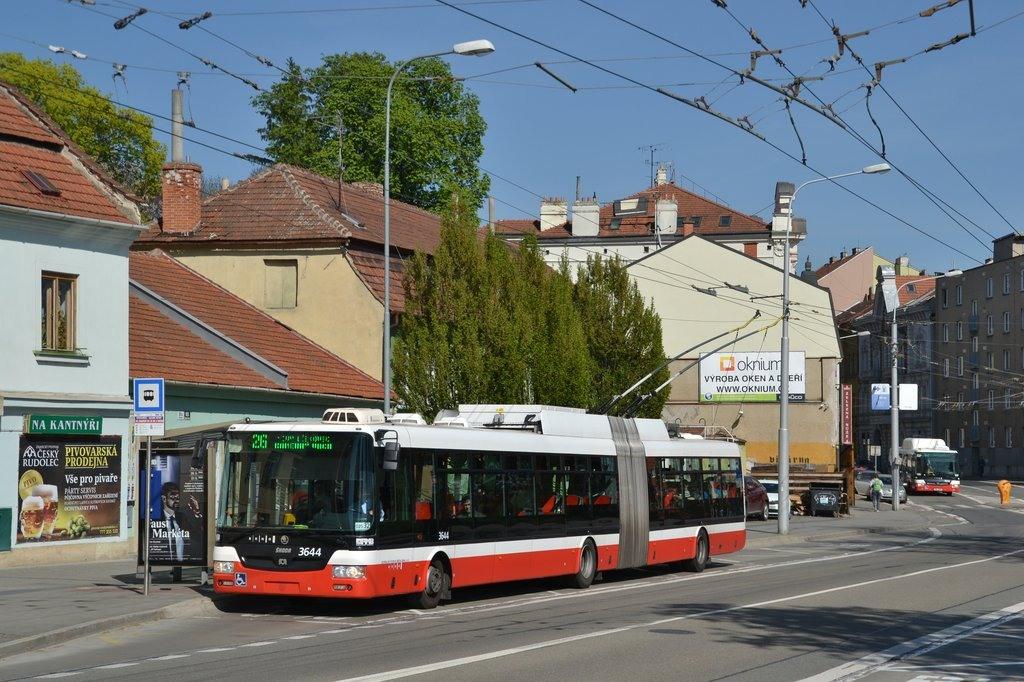 Fotogalerie » Škoda 31Tr 3644 | Brno | Pisárky | Hlinky | Výstaviště, hlavní vstup
