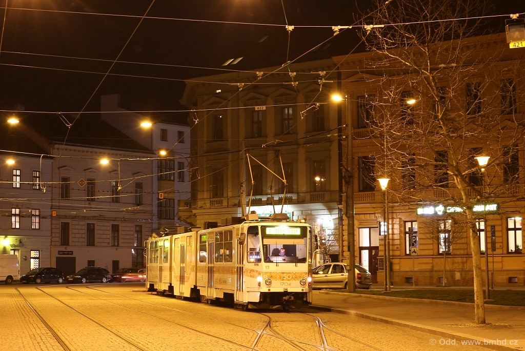 Fotogalerie » ČKD Tatra KT8D5R.N2 1704 | Brno | střed | Komenského náměstí | Komenského náměstí