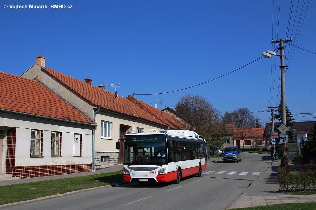 Fotogalerie » Iveco Urbanway 12M CNG 1BC 7549 7099   Kobylnice   Na Návsi