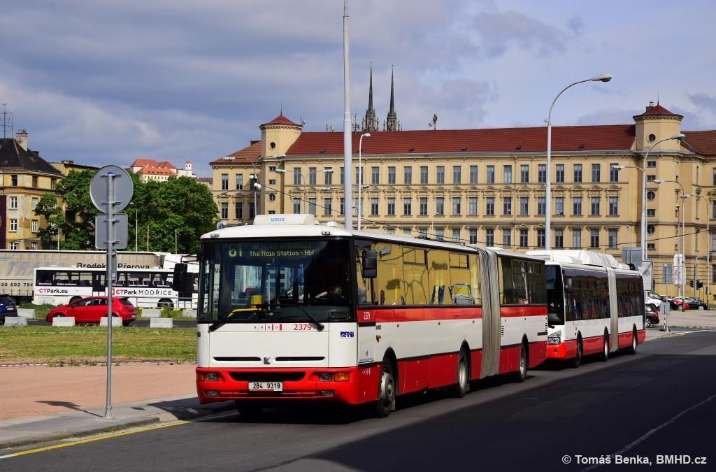 Fotogalerie » Karosa B961E.1970 2B4 9319 2379 | Brno | Trnitá | Rosická | Dolní nádraží
