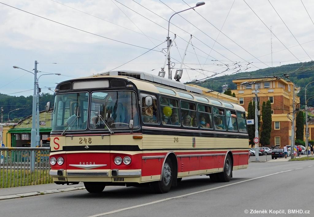 Fotogalerie » Škoda T11/0 248 | Zlín | Podvesná | Podvesná XVII