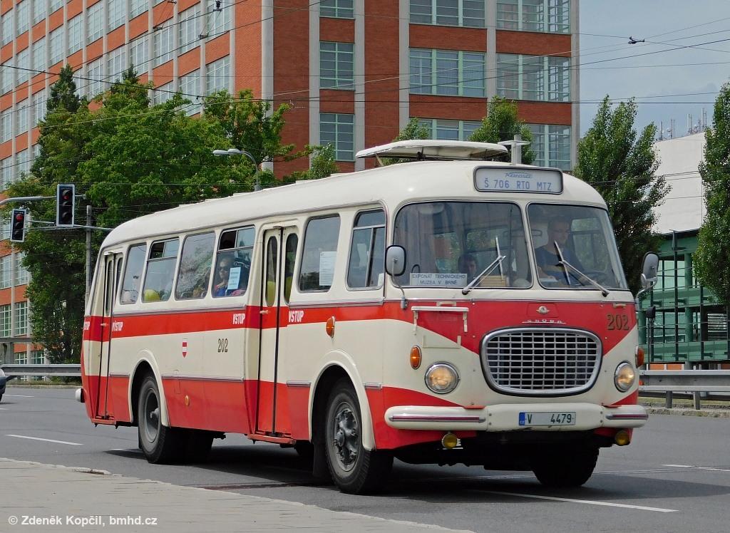 Fotogalerie » Škoda 706 RTO MTZ V 4479 202 | Zlín | tř.Tomáše Bati