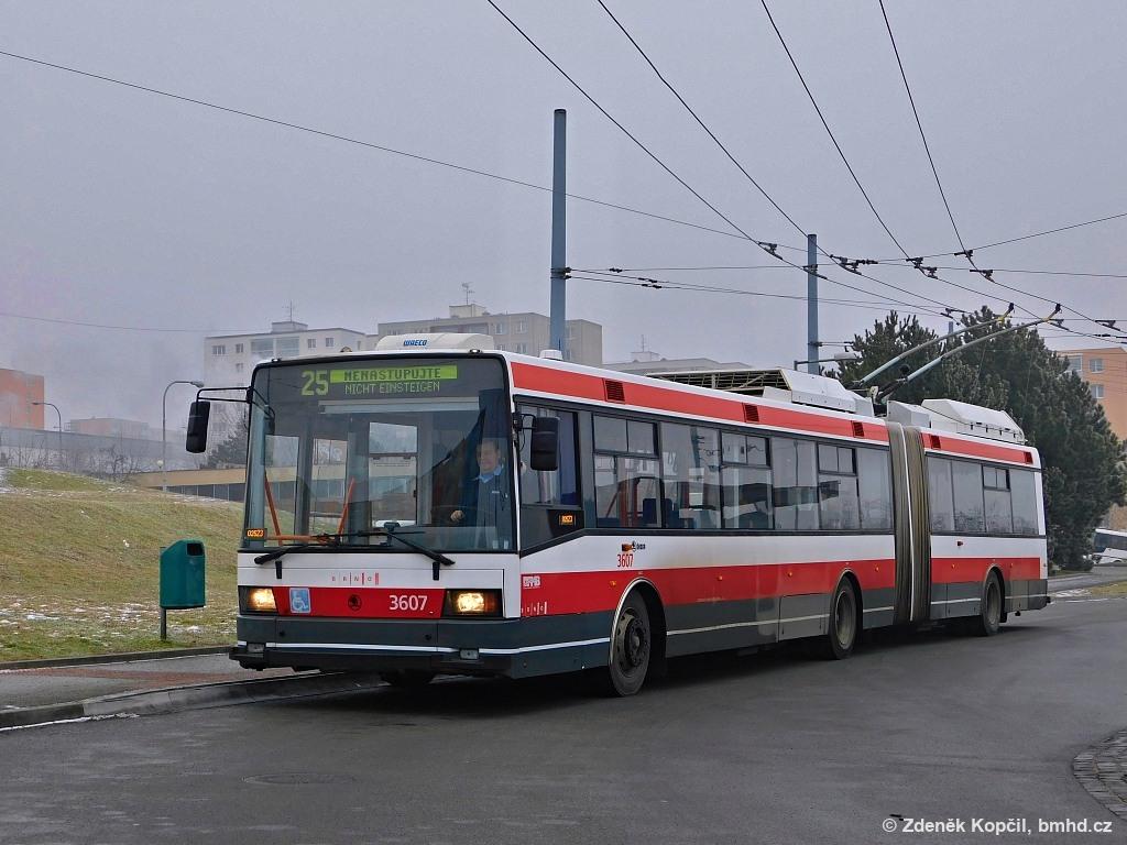 Fotogalerie » Škoda 22Tr 3607 | Brno | Starý Lískovec | Osová | Osová, smyčka