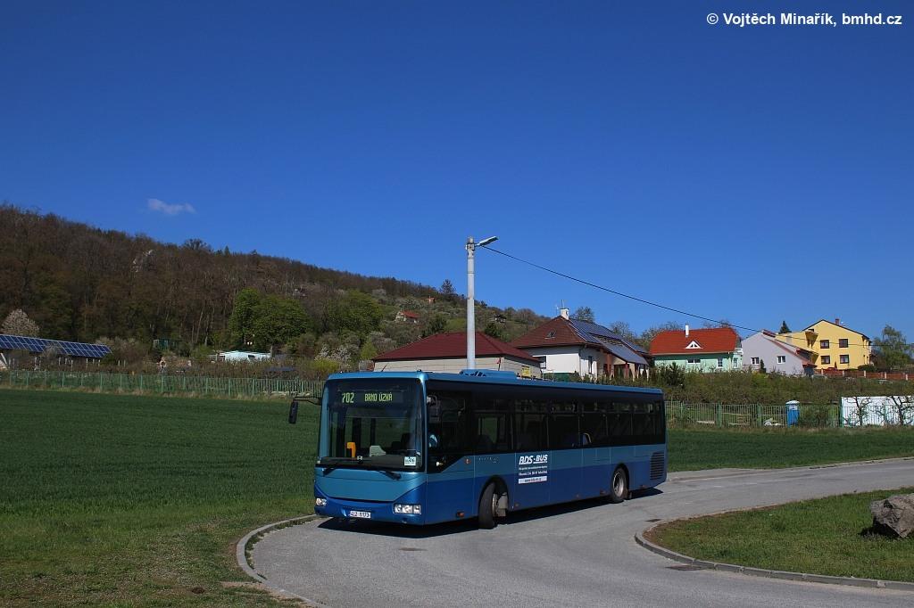 Fotogalerie » Irisbus Crossway LE 12M 4L2 5173   Viničné Šumice   Viničné Šumice, točna
