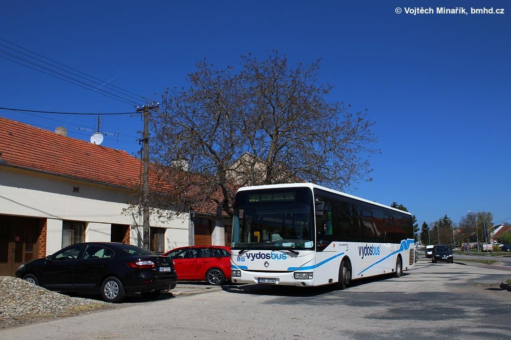 Fotogalerie » Irisbus Crossway LE 12.8M 7B5 3734   Měnín   Městečko   obchodní středisko