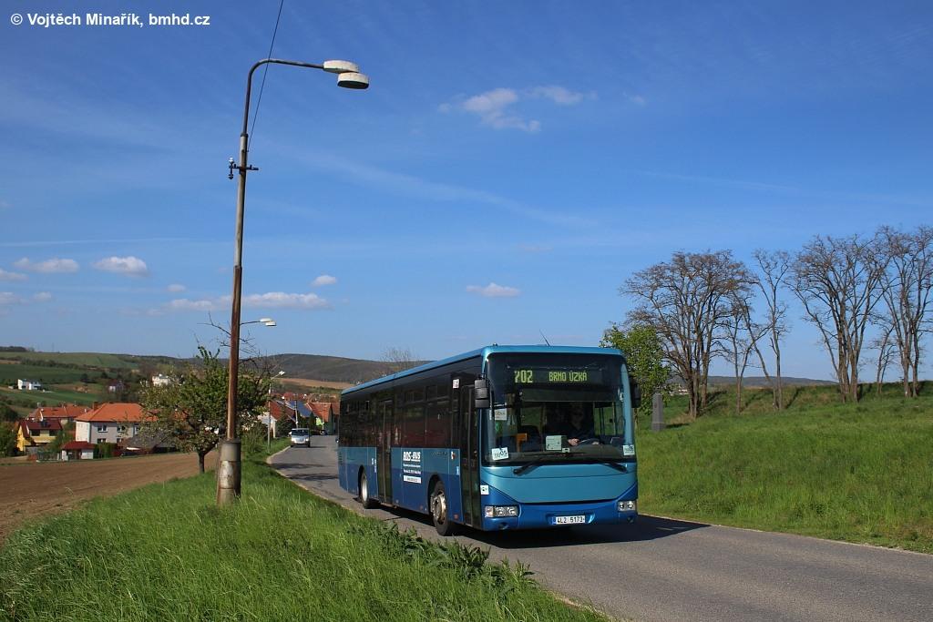 Fotogalerie » Irisbus Crossway LE 12M 4L2 5173 | Tvarožná | Tvarožná, ZD | odbočka k Santonu