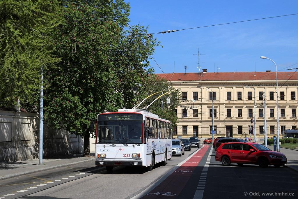 Fotogalerie » Škoda 14Tr17/6M 3282   Brno   Staré Brno   Mendlovo náměstí