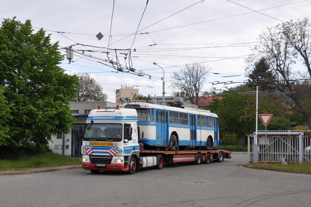 Fotogalerie » Škoda 9TrHT28 3136 | Brno | Komín | Podveská | vozovna Komín