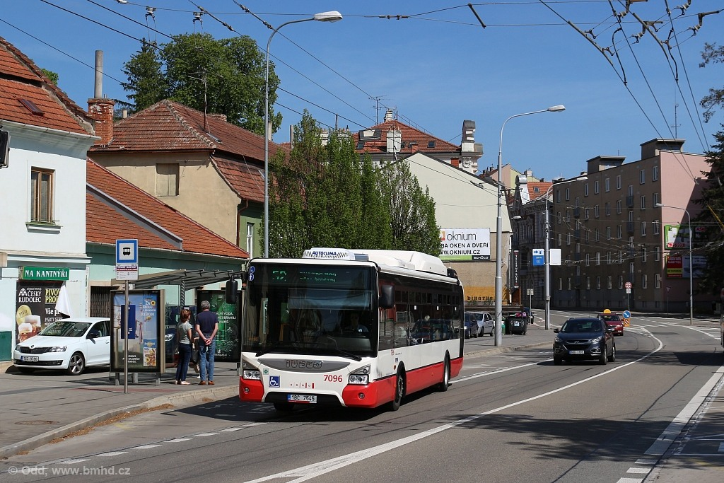 Fotogalerie » Iveco Urbanway 12M CNG 1BC 7545 7096 | Brno | Pisárky | Hlinky | Výstaviště, hlavní vstup
