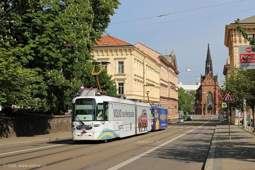 Fotogalerie » Pragoimex VarioLF2R.E 1069 | Pragoimex VarioLFR.E 1601 | Brno | střed | Husova