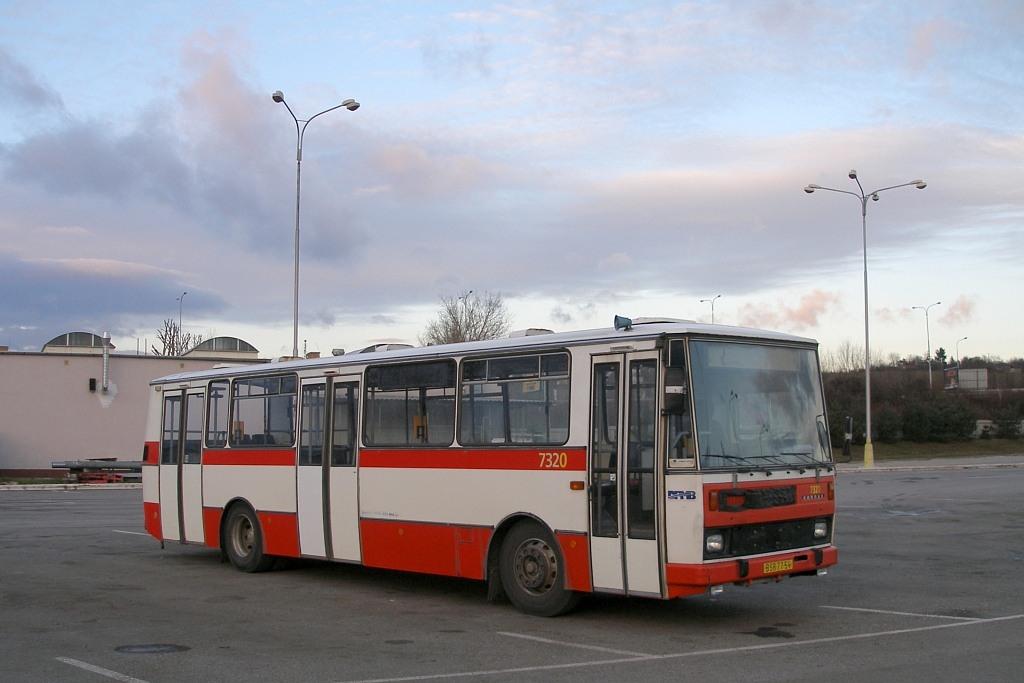 Fotogalerie » Karosa B732.1652 BSB 77-54 7320   Brno   Slatina   Hviezdoslavova   Vozovna Slatina