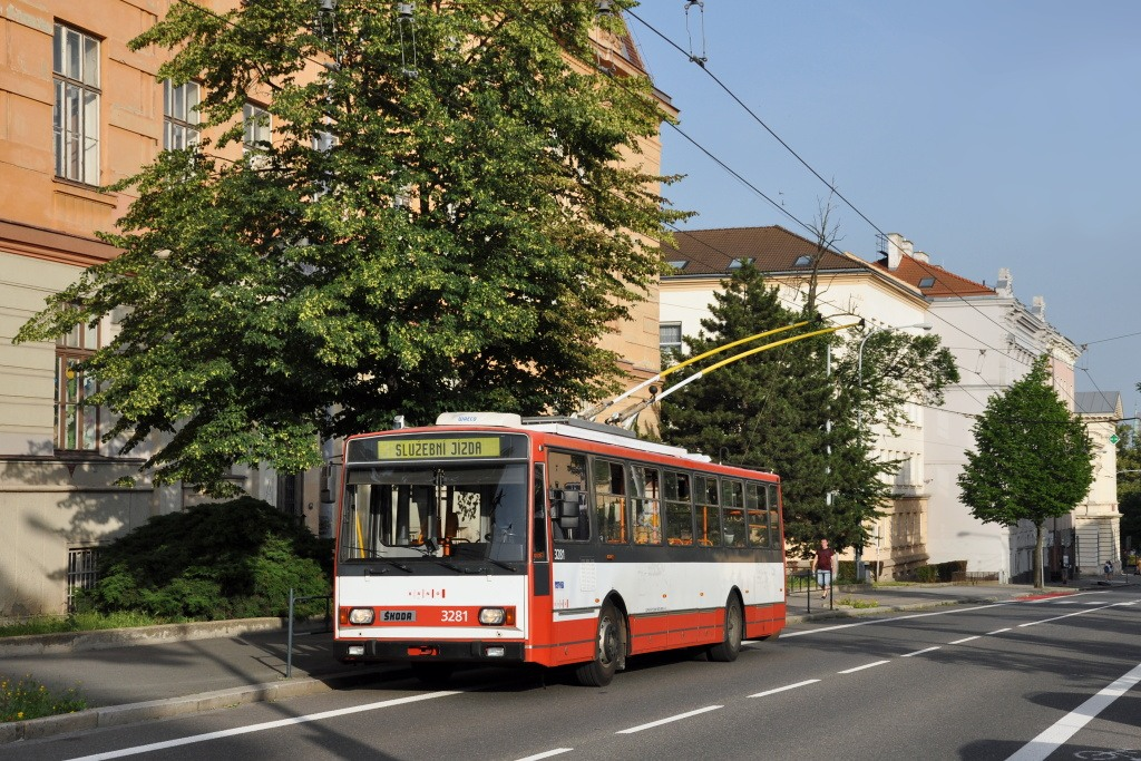 Fotogalerie » Škoda 14Tr17/6M 3281 | Brno | střed | Kounicova