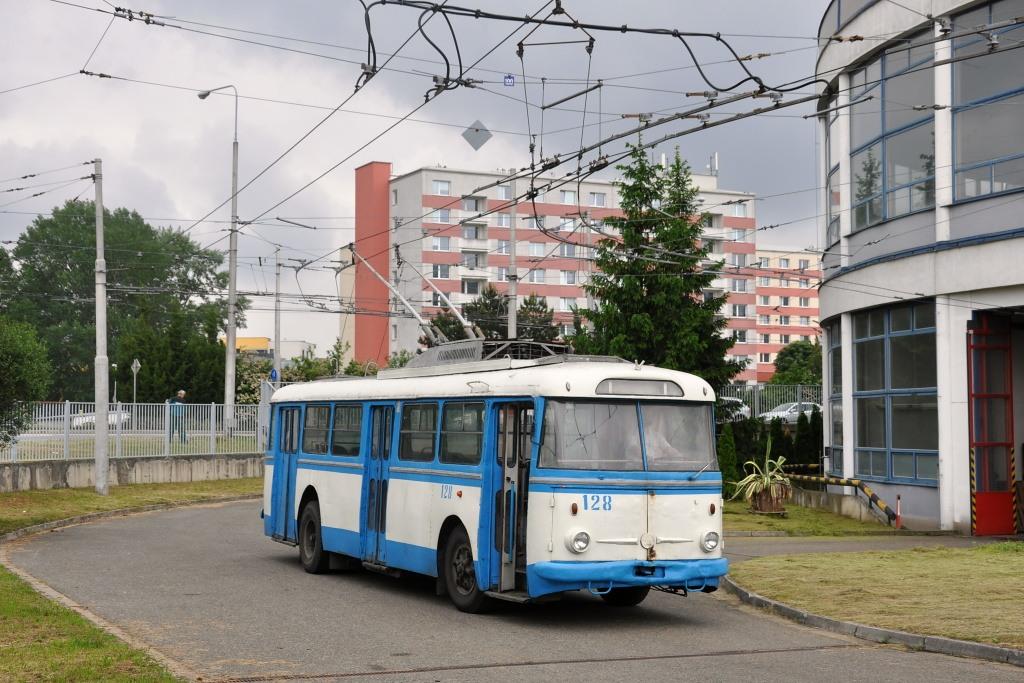 Fotogalerie » Škoda 9TrHT28 3136 | Brno | Komín | vozovna Komín