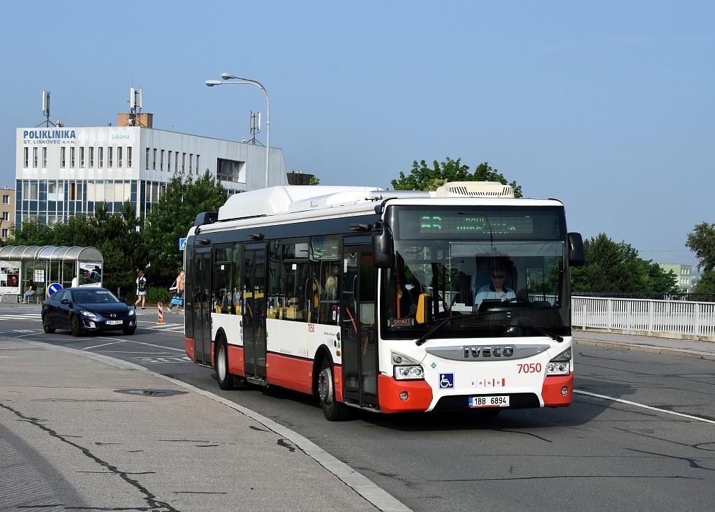 Fotogalerie » Iveco Urbanway 12M CNG 1BB 6894 7050 | Brno | Starý Lískovec | Osová