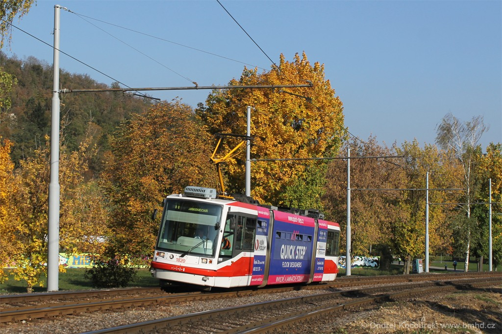 Fotogalerie » Škoda 03T7 1820 | Brno | Bystrc | Obvodová