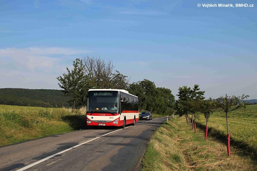 Fotogalerie » Iveco Crossway LE LINE 12M 2BD 9892 2912 | Brno | Žebětín | Dlážděná | Borovník