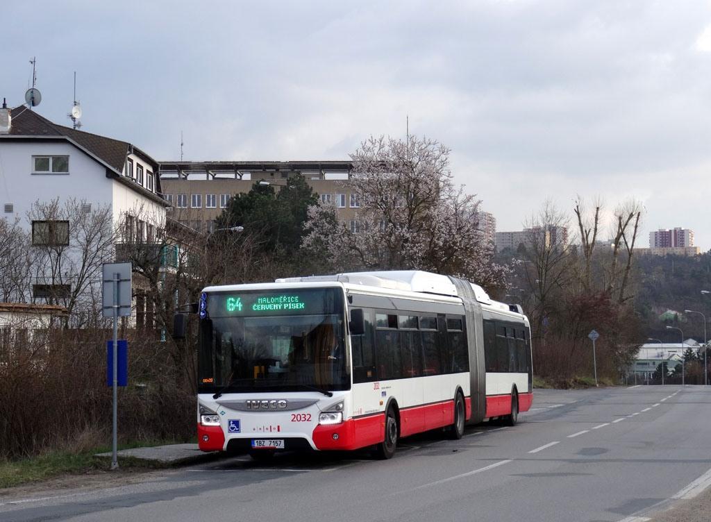 Fotogalerie » Iveco Urbanway 18M CNG 1BZ 7157 2032 | Brno | Maloměřice | Kulkova | Jarní