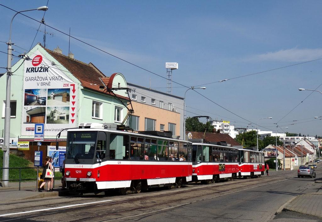 Fotogalerie » ČKD DS T6A5 1211 | ČKD DS T6A5 1212 | ČKD DS T6A5 1208 | Brno | Královo Pole | Palackého třída | Hudcova