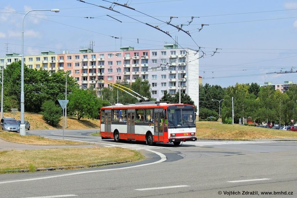 Fotogalerie » Škoda 14Tr08/6 3214 | Brno | Kohoutovice | Žebětínská