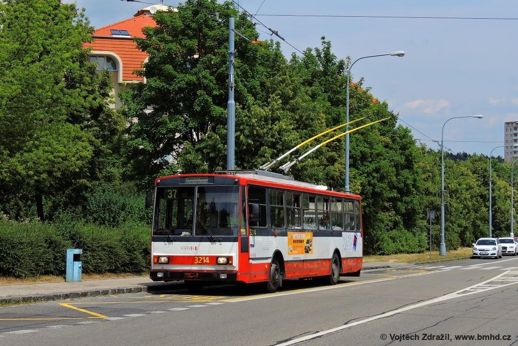 Fotogalerie » Škoda 14Tr08/6 3214 | Brno | Kohoutovice | Libušina třída