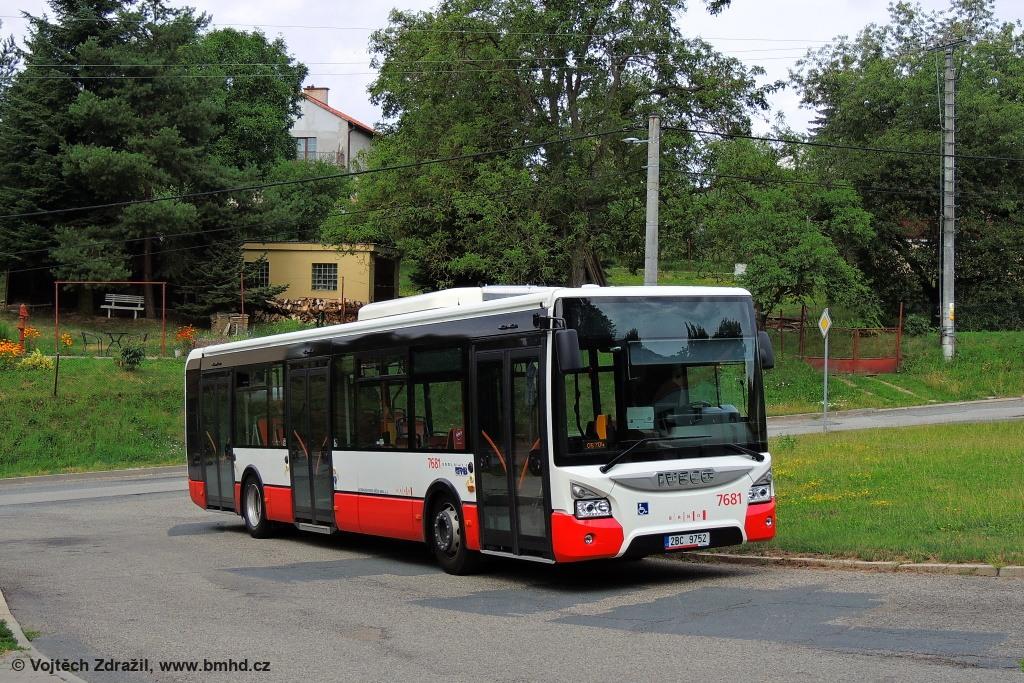 Fotogalerie » Iveco Urbanway 12M 2BC 9752 7681 | Vranov | Kateřinská | Vranov, smyčka