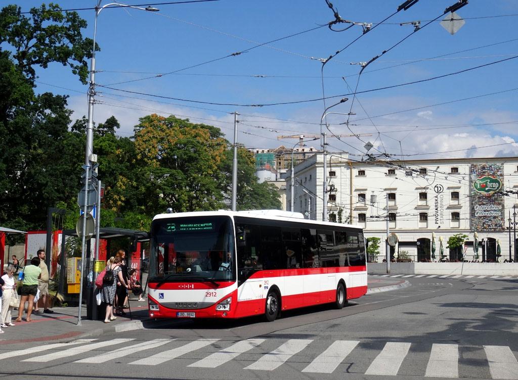 Fotogalerie » Iveco Crossway LE LINE 12M 2BD 9892 2912 | Brno | Staré Brno | Mendlovo náměstí | Mendlovo náměstí
