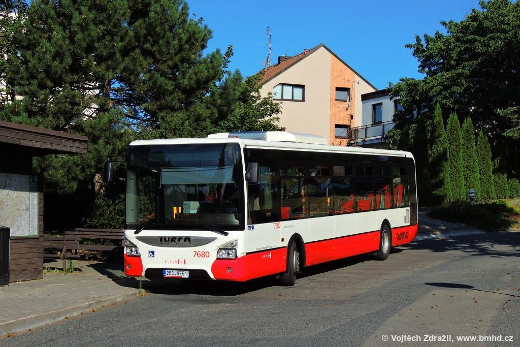 Fotogalerie » Iveco Urbanway 12M 2BC 9751 7680 | Brno | Útěchov | Adamovská | Útěchov, smyčka